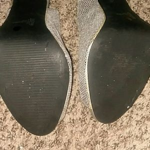 Jacqueline Ferrar Shoes - Silver heels